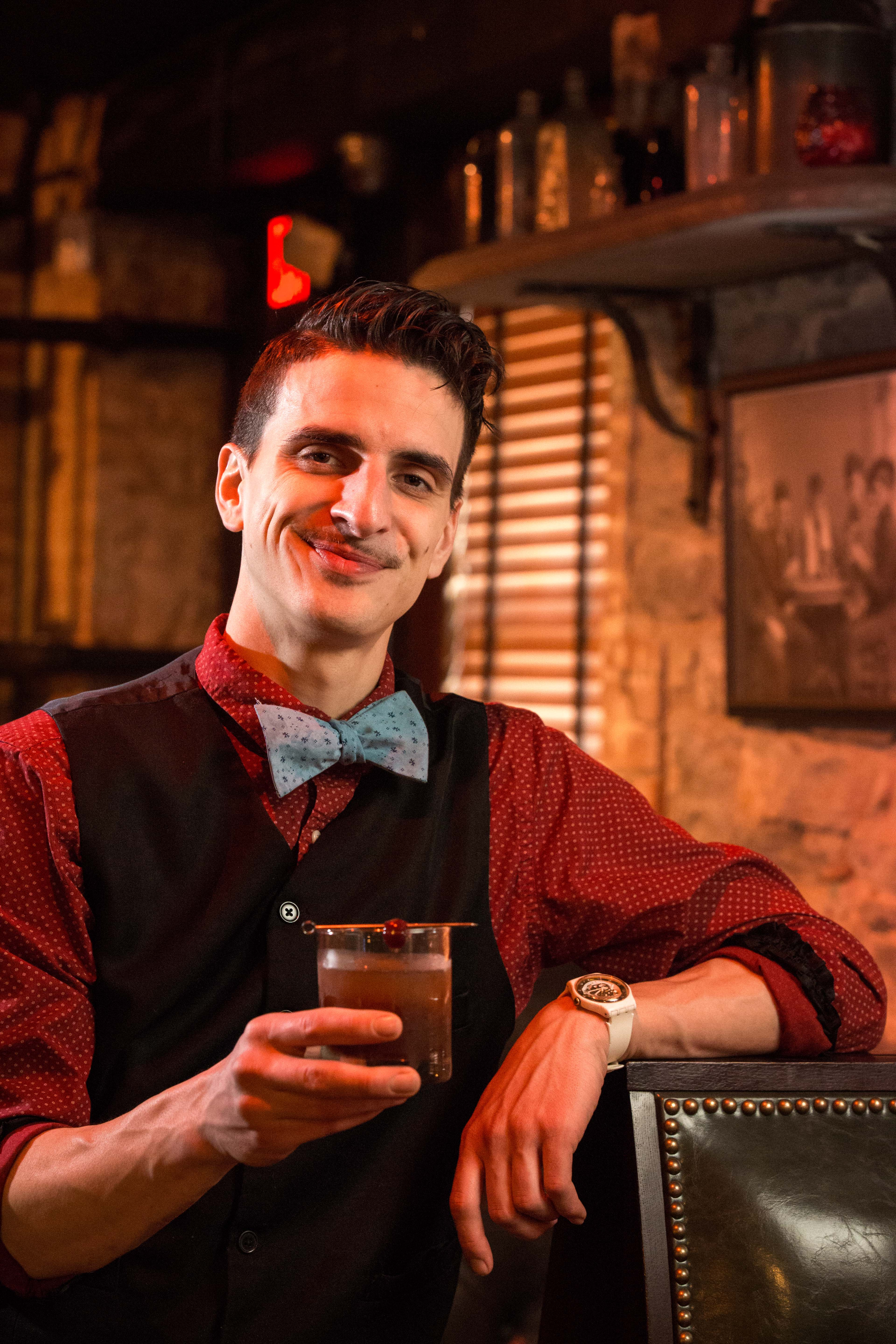 on location lifestyle portraiture hudson valley by caylena cahill bartender